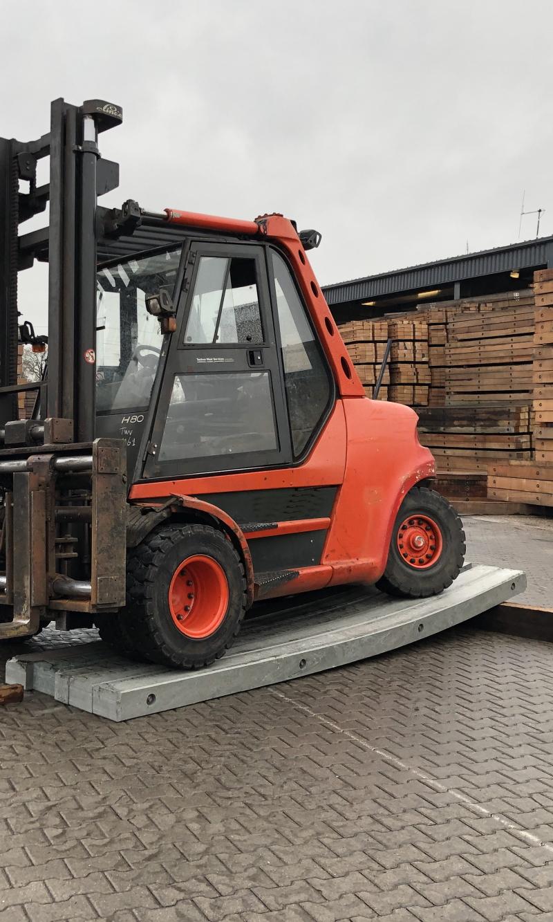 Forklift on Crane Mats